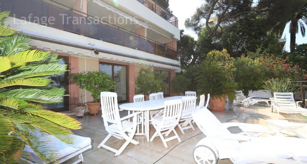 Nice mont boron beau 4 pieces meuble en location de 10 mois lafage transactions century 21 for Prestige immobilier location