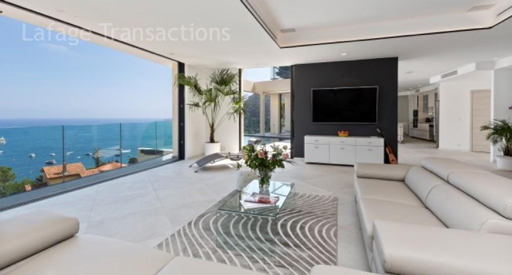Eze magnifique villa meublee avec vue 180 sur la mer lafage transactions century 21 for Prestige immobilier location